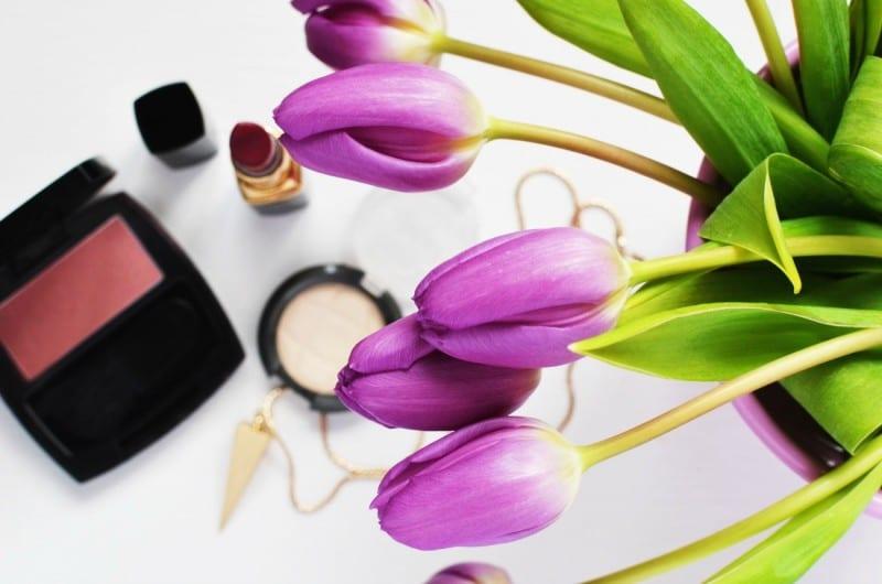 eco-friendly makeup routine